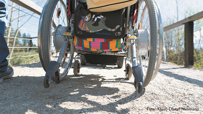 At the local surroundings, several routes are accessible and therefore suitable for wheelchairs and strollers too.